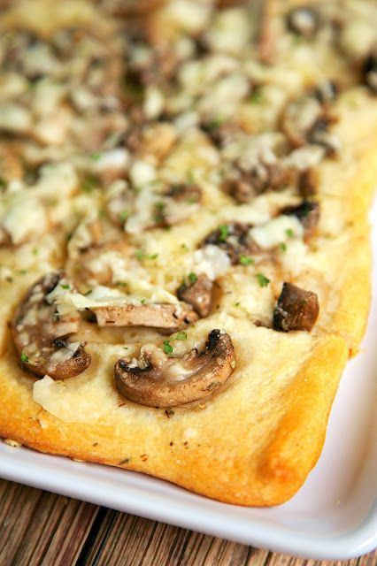 Mushroom Bread Recipe - 5 ingredient appetizer that is ready in 15 minutes!! This stuff is highly addictive. I could eat the whole thing myself! Great for parties.