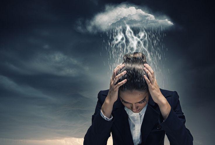 Depresión: causas, síntomas y tratamiento. Son muchas las preguntas que surgen en torno a la depresión, desde cómo se origina a cuáles son los síntomas que la caracterizan o los.