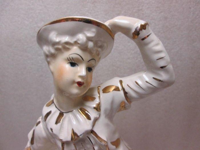 """JAPAN 10"""" FIGURINE COURT JESTER GLAZED PORCELAIN BISQUE WHITE GOLD 1900! VINTAGE"""
