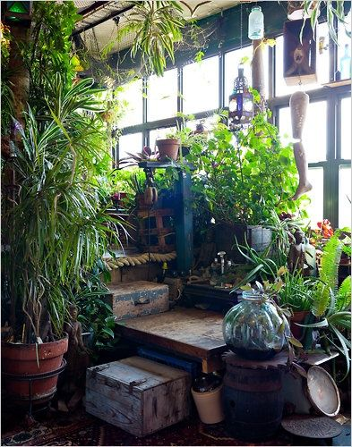 Moon to Moon: Conservatory...love these spaces! Would be so nice to have in my own home.