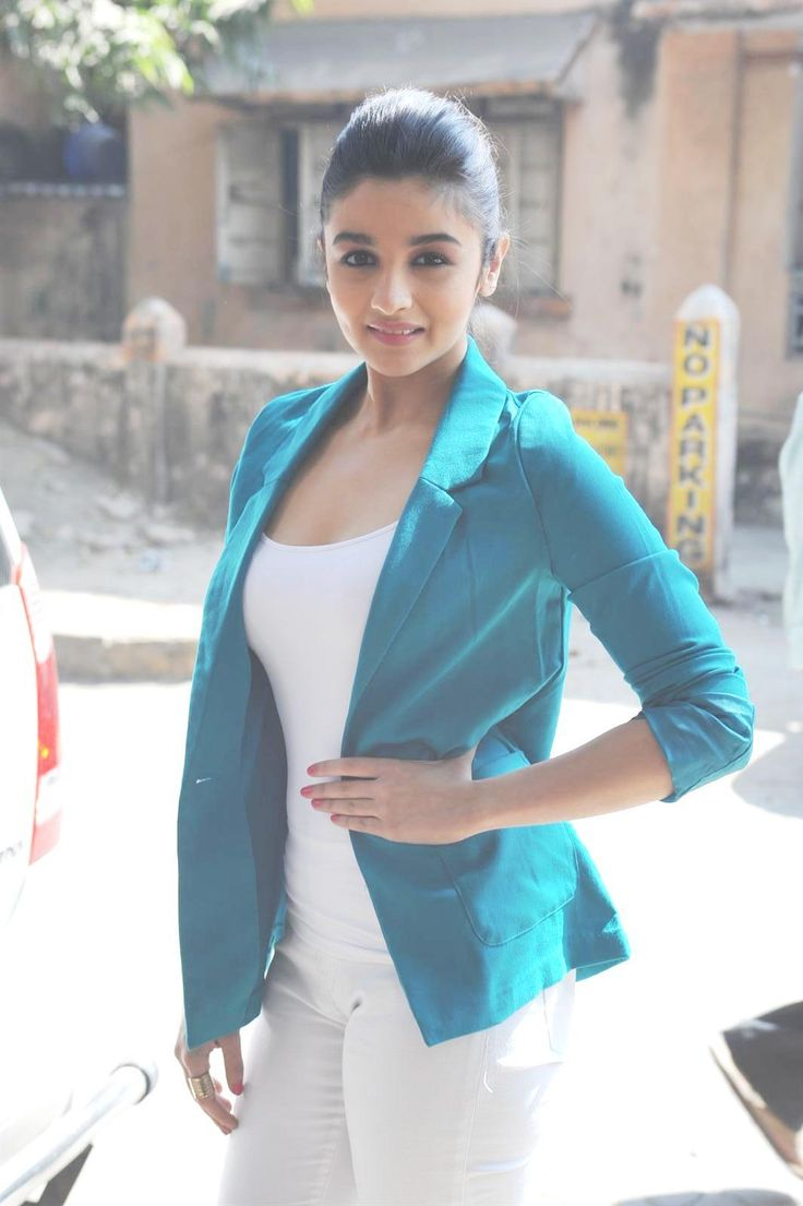 Alia Bhatt  at Announcement of Stardust Awards 2013.