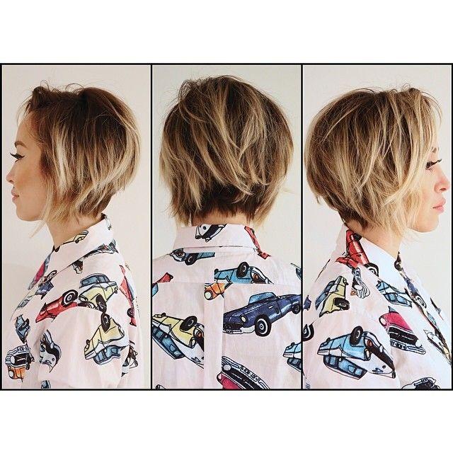 that cut and color. Messy / easy hair / tousled hair / bob / highlights / spring hair / balayage
