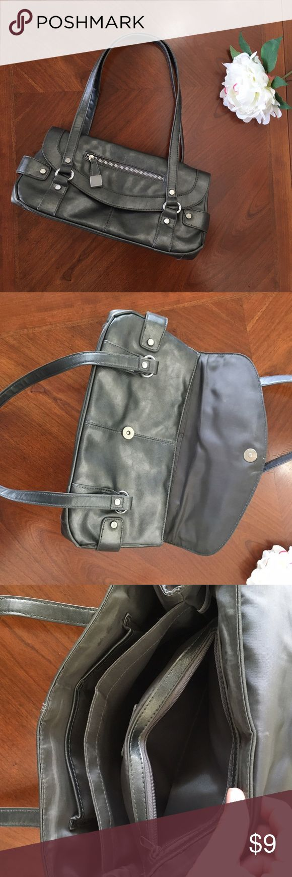 Apt. 9 dark silver shoulder bag gray lining purse VGUC apt 9 gray and metallic silver faux leather shoulder bag purse. See pics for approx measurements. Smoke free home. Apt. 9 Bags Shoulder Bags