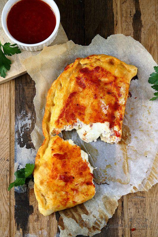Un dejeuner de soleil: Le calzone napolitain