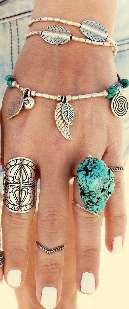 love that turquoise ring!!!