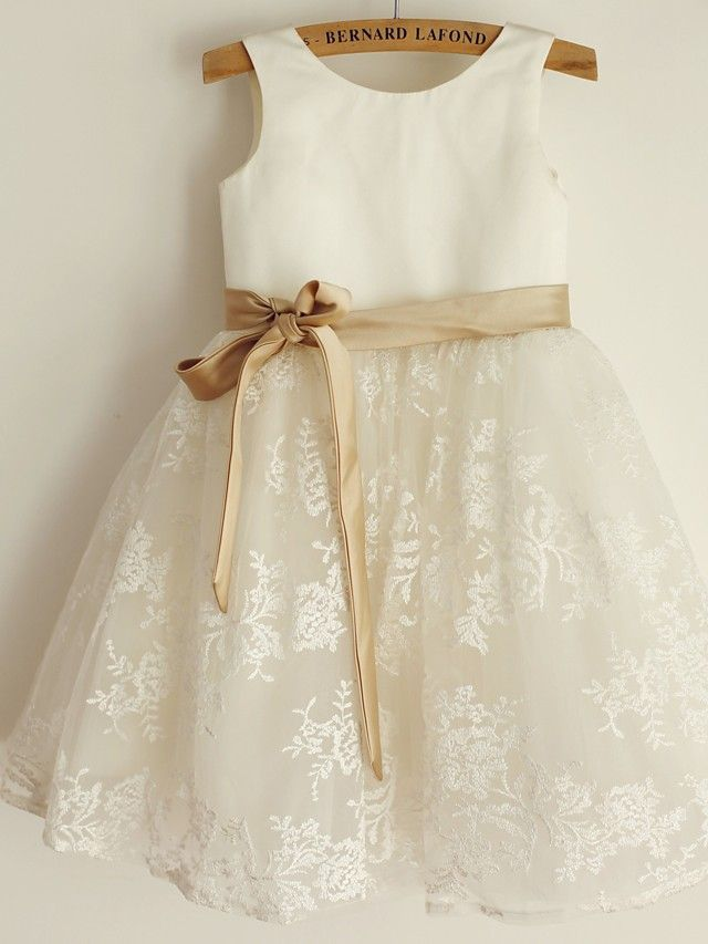 Princess Knee-length Flower Girl Dress - Lace/Satin Sleeveless - GBP £38.49