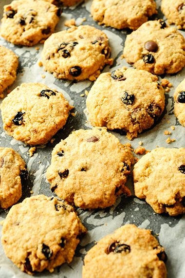oatmeal cookies with chocolate and blueberries | studiokuchnia.pl