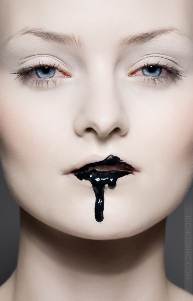 Black #lipstick lust.