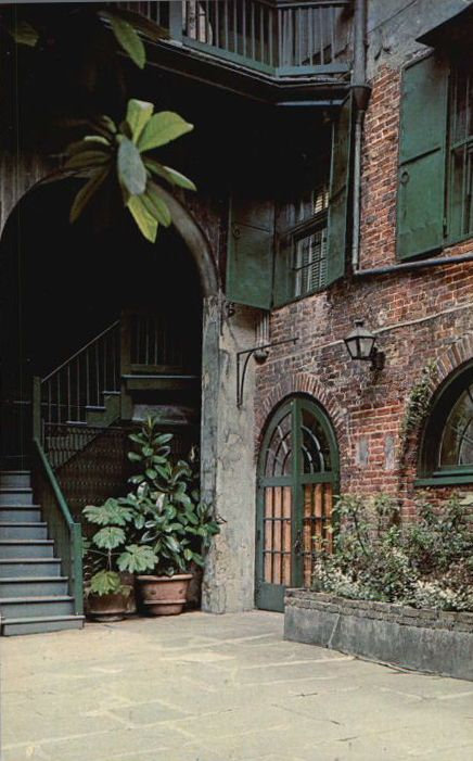 New Orleans Courtyard Courtyards Pinterest Entry