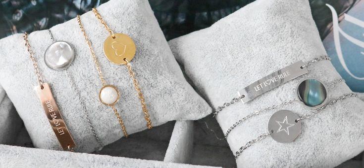 Stainless Steel sieraden | Wij hebben in onze online kralen groothandel naast onze onderdelen voor sieraden een leuke collectie van kant-en- klare sieraden. Deze leuke artikelen hebben altijd een mooie prijs en geven uw collectie een welverdiende meerwaarde. Wat vooral leuk is aan deze sieraden is dat je er goed mee kunt combineren en afwisselen. Bijvoorbeeld, een leuke Cuoio armband kun je dragen met armbandjes van Stainless Steel en handgemaakte armbandjes van rocailles of facet kralen. Zó…