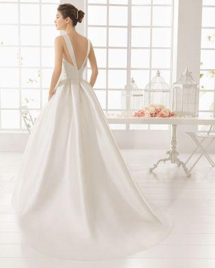MESON vestido de novia en mikado.