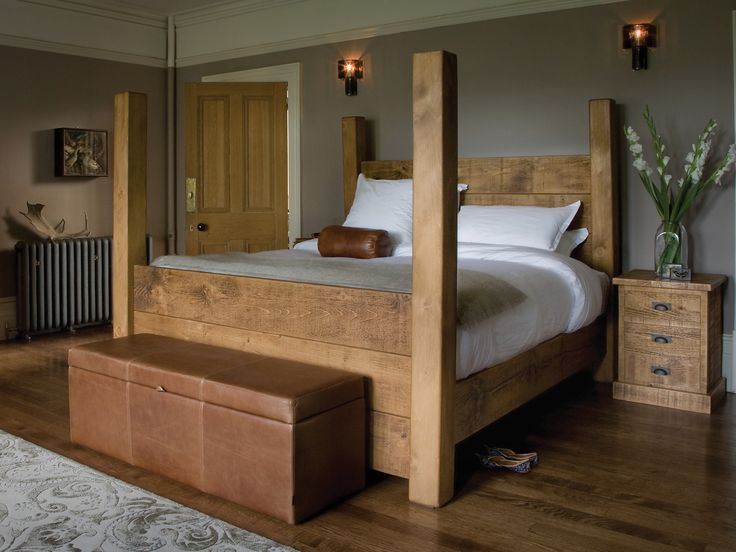 The Merchant's Four Poster Plank Bed
