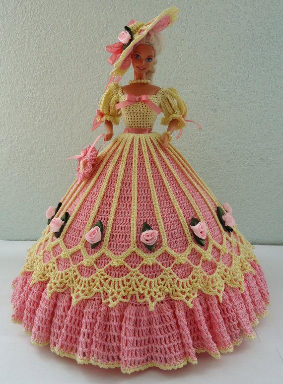 Julia of Richmond, handmade crochet gown for 11 1/2 fashion doll  ......./.46.6.28 qw
