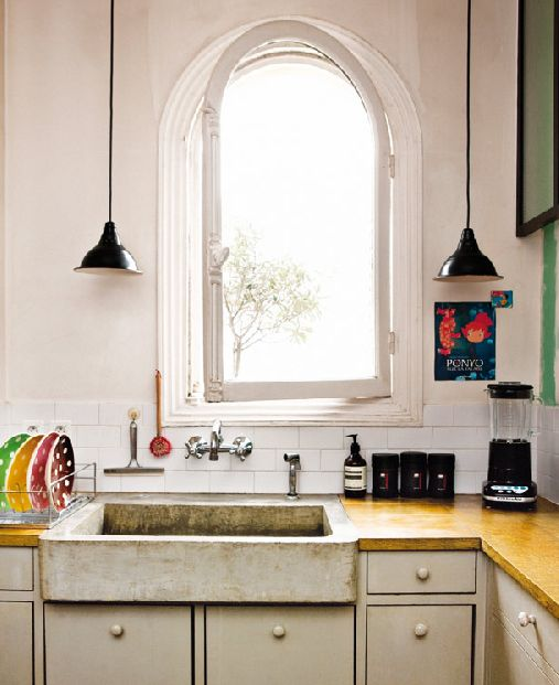Sanctuary: Haussmann habitat concrete sink: Kitchens Window, Paris Apartment, Parisians Apartment, Concrete Sinks, Gypsy Style, Farms Sinks, Farmhouse Sinks, Kitchens Sinks, Concrete Countertops