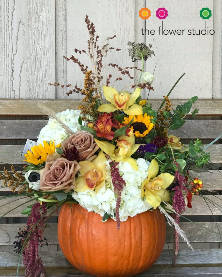 Lovely fall / autumn floral centerpiece. Check us out!