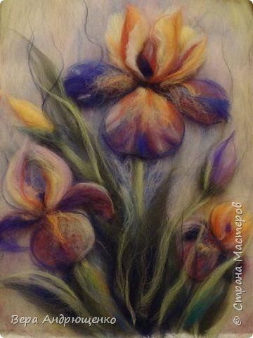 Картина панно рисунок День рождения Валяние фильцевание Шерстяные ирисы Шерсть фото 1