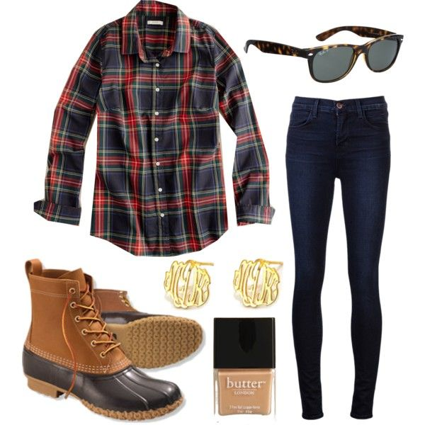 Pumpkin picking, to apple orchards, to weekend errands, this casual chic look features the Cutout Monogram earrings from SwellCaroline.com!  #Monograms #FallFashion #Tartan #DuckBoots