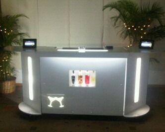 Catering and bar on pinterest for Modelos de barras de bar