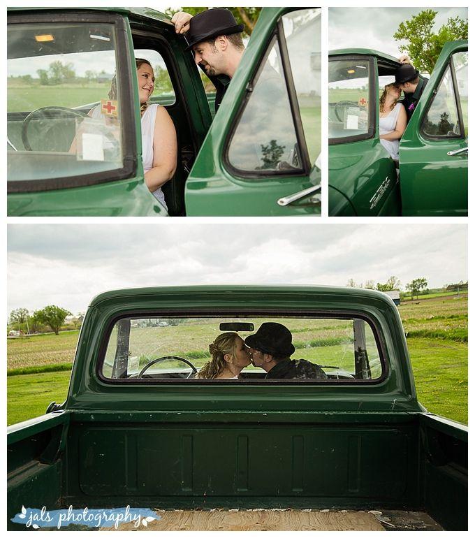 Country wedding, green truck