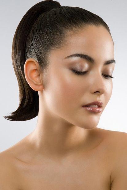 Причёска с ХВОСТОМ на резинке - причёска с постижем, тёмно-русые прямые волосы http://www.aleksandr-and-olga.ru/ http://www.livemaster.ru/hair-collection