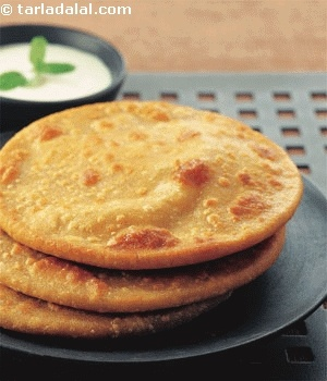 Dal Paratha recipe   Indian Recipes   by Tarla Dalal   Tarladalal.com   #1986