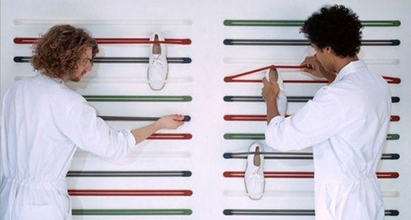Elastische Bänder Schuhe aufbewahren