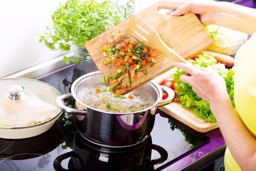 Österliche Gemüsesuppe
