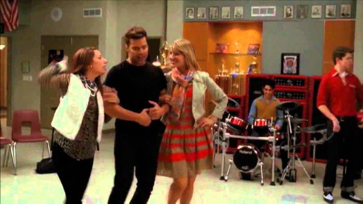 GLEE - Sexy And I Know It Glee - Season 3 Episode 12: The Spanish Teacher