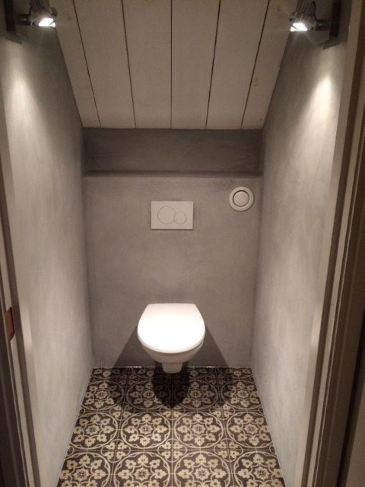 BOCH 2 Portugese tegels/cementtegels Toegepast in toilet... 14x14 cm