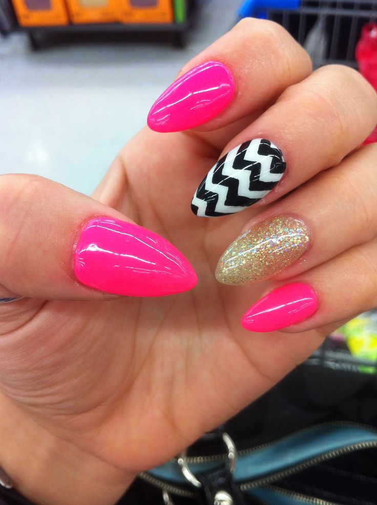 Vacation Nails! Hot Pink. Black and White Chevron. Gold Glitter. Almond Nails . Sexy!! Love my nail art!  #nails #nailart #almondnails #naildesign