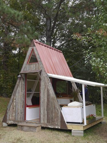 12 of the best tiny homes - from Country Living magazine.  I love the Painted Lady!