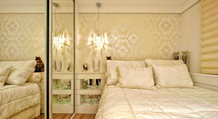 Cama encostada na parede - veja quartos de casal e solteiro com essa proposta!