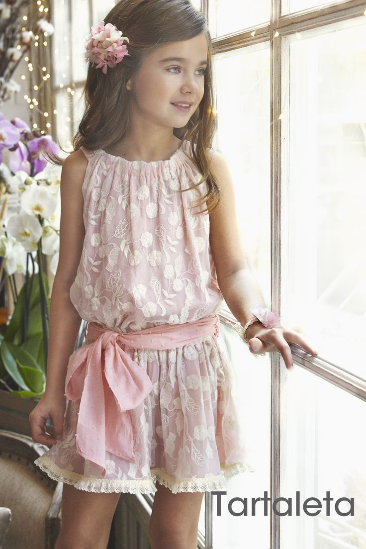 Vestido Vintage de plumeti rosa y tul bordado. Tartaleta SS16