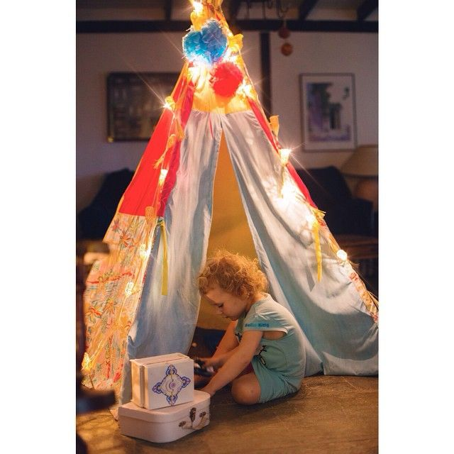 It's rainy, it's dark, it's gloomy and we hide in our nests. Summer were are you? 😩 #notiphone #pictapgo_app #teepee #teepeelicious #rainyday