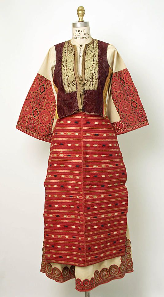 Ensemble       19th or early 20th century      Macedonian Greece       linen, cotton, wool