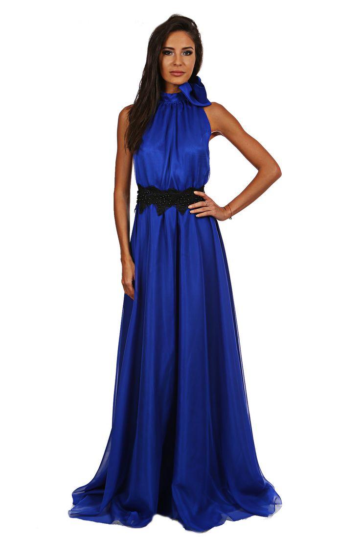 Rochie lunga din voal Miris - http://missgrey.ro/rochii/121-rochie-miris.html -  cu matase albastru cu esarfa - o rochie deosebita, eleganta si vaporoasa, pentru un eveniment pe masura. Rochia are o esarfa ce se leaga in jurul gatului oferind tinutei un aer dramatic, spatele gol pentru un plus de delicatete si senzualitate, iar in talie este accesorizata cu un detaliu negru din dantela si paiete, Poarta acesta rochie lunga si lasa-te admirata!