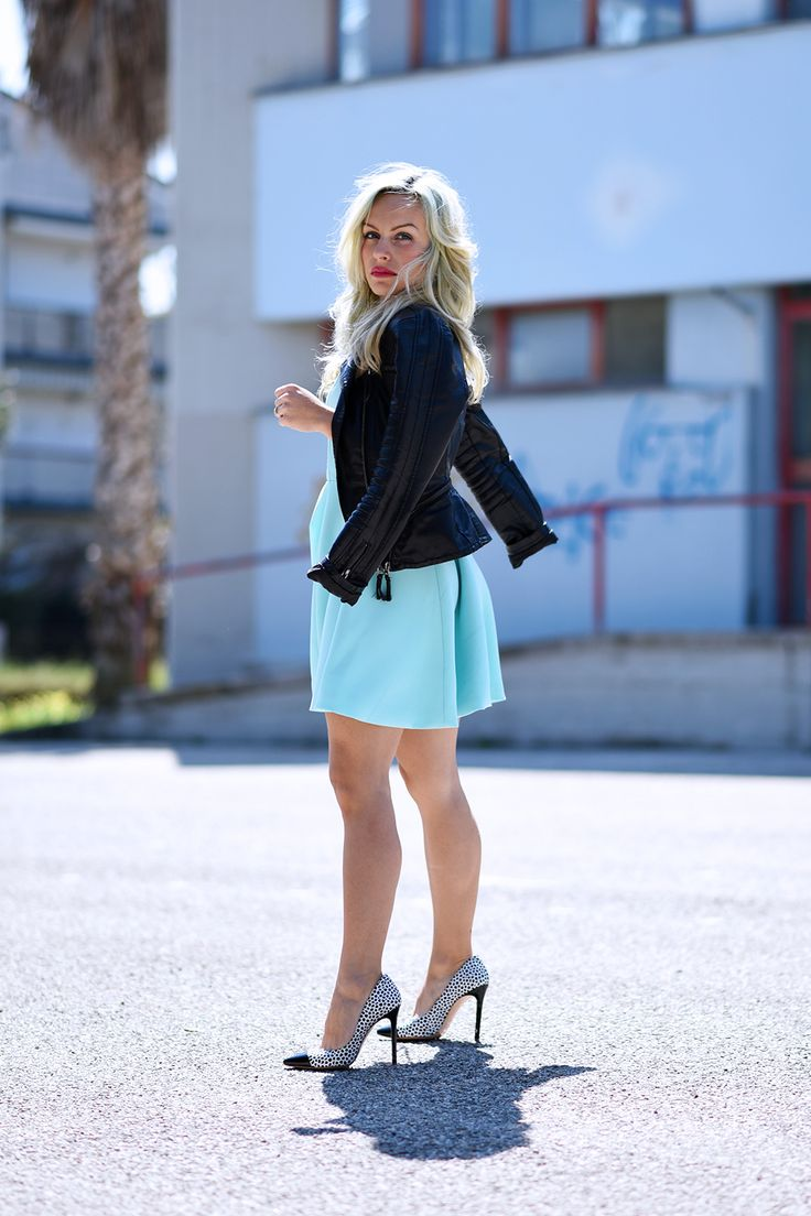 Baby blue hair, capelli colorati, come colorare i capelli, pastel hair, capelli azzurri, scarpe Kammi, tacchi Kammi, Oasap dress, outfit fashion blogger It-Girl by Eleonora Petrella