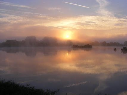 Sunday Sunrise  A beautiful misty September morning sunrise from Daisy Chain taken by our guests this week. Enjoy your Sunday!  Posted by Naomi at www.cotswoldfamilyholidays.com  #sunrisephotography #cotswoldfamilyholidays #selfcateringholidays #cotswolds #england Show less