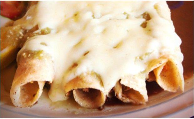 Enchiladas de poulet à la sauce verte