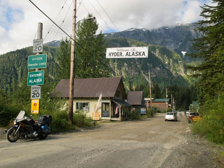 This American Town Is Secretly Canadian Since the tiny town of Hyder, Alaska, is a long ways from its nearest American neighbor, and only ten minutes away from a small town in British Columbia, Canada, it makes sense that the town observes Canadian holidays, prices items in Canadian currency, and even sets its clocks to the British Columbia time zone