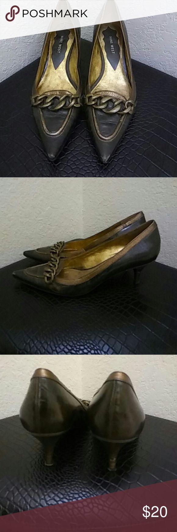 Nine West Bronze Kitten Heel Shoe 🐱 👡 7 Nine West Bronze Size 7 🐱 👡. Kitten Heel Pointy Toe Shoe.  Worn. Bronze Metal Across the Bridge of the Shoe. Nine West Shoes Heels