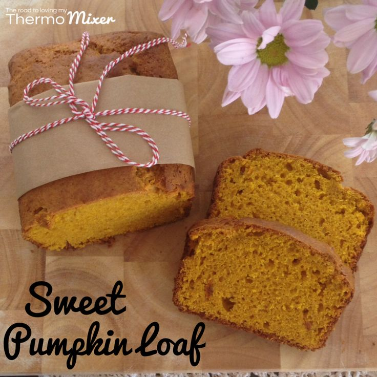 I am not a huge fan of pumpkin. I love pumpkin soup and LOOOOOOOOVE pumpkin bread but that's about it. I am a little bit sick of soup so thought I woul