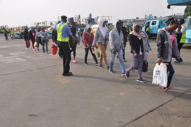 Trouble: 198 Nigerians Deported from Saudi Arabia http://ift.tt/2tpZwXt