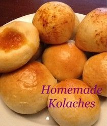 Homemade Mamas: Kolaches - A Taste of Texas- OMG!!! I loved kolaches when I lived in Texas and no one seems to know what they are @Jordyn Caddy