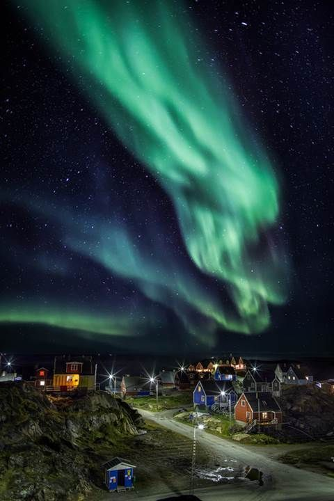 Best Places to View Aurora Borealis  Found at http://wowthatscool.com/-meetanimal/best-places-to-view-aurora-borealis?utm_content=bufferb12c8&utm_medium=social&utm_source=twitter.com&utm_campaign=buffer