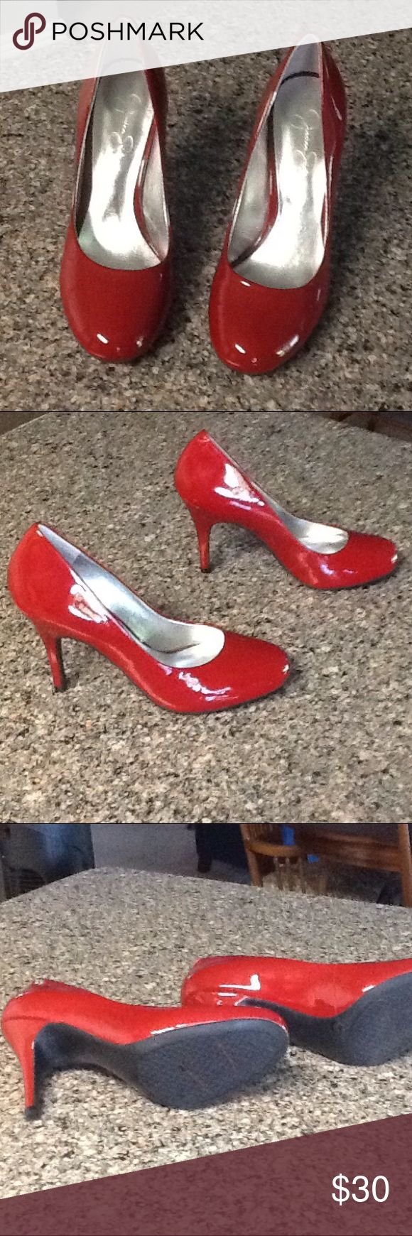 Jessica Simpson Red High Heels December 2017
