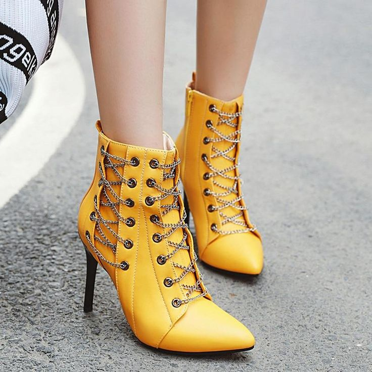 Hoge Hakken Laarzen Vrouwen Mode Ketting Stiletto Puntschoen € 33.92