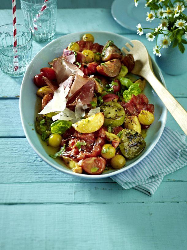 Unser beliebtes Rezept für Gegrillter Tomaten-Pfirsich-Salat und mehr als 55.000 weitere kostenlose Rezepte auf LECKER.de.