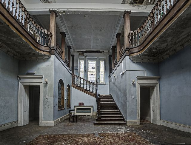 Abandoned school, London, England.  How sad!  Wish I could use this & make a house out of it!