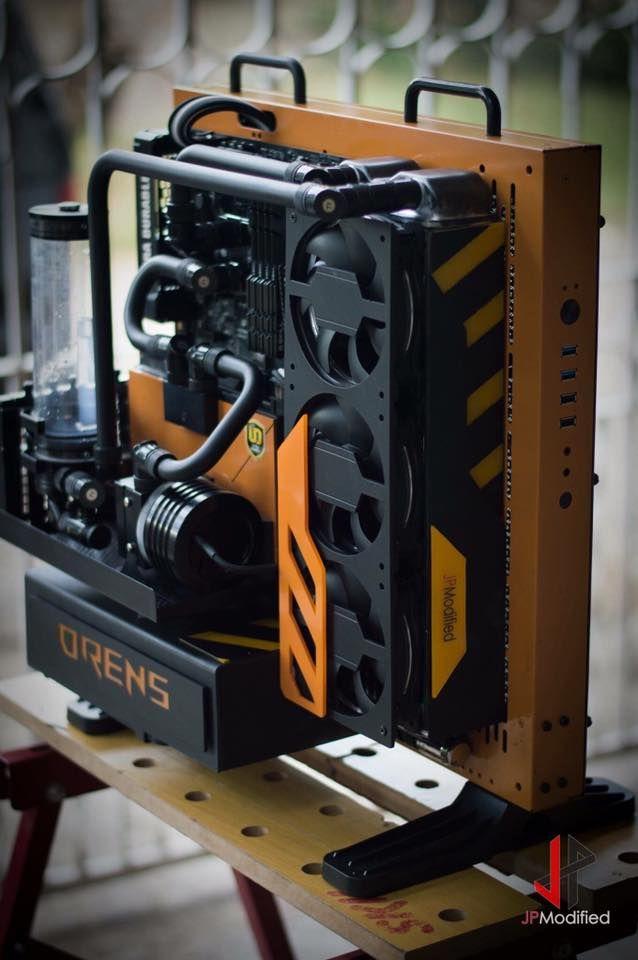 Ce matin on se penche un peu sur le Projet ORENS par JPModified. On est sur un système Intel Core i5 basé sur une carte mère Gigabyte Z170x, avec une GeForce GTX 970 dans un châssis P3 Thermaltake ave